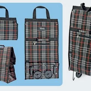 ...папку способна мгновенно увеличиться до объемной сумки на колесах!